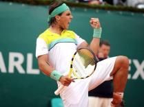Un record de plus: Cinquième victoire consécutive à Monte-Carlo, où il bat Novak Djokovic en finale.