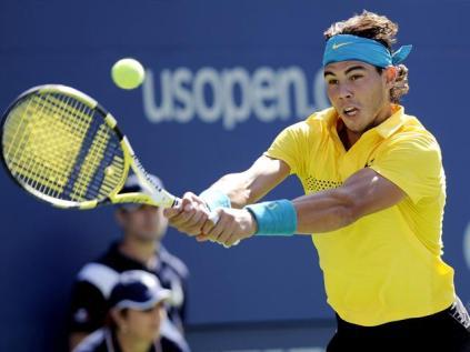 Dans la foulée de son élimination choc à Paris, Rafa renonce à Wimbledon. Touché physiquement mais ausis moralement par le divorce de ses parents, il éprouve le besoin de couper. Il effectue sa rentrée à l'US Open, où il atteint les demi-finales avant de s'incliner contre Del Potro.