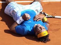 Rien de tel que les retrouvailles avec la terre battue pour rebondir. A Monte-Carlo, il remporte le titre pour la 6e année consécutive. Une semaine exceptionnelle, où il ne concède que 14 jeux en cinq matches ! Il devient le premier joueur de l'ère Open à remporter six fois de suite un tournoi.