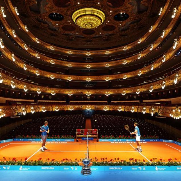 Photos rafael nadal visits barcelona s liceu opera house - Oficinas banc sabadell barcelona ...