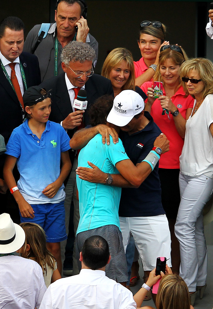 Rafael Nadal is congratulated by his girlfriend, family ...