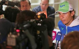 Spanish tennis ace Rafael Nadal (R) speaks to journalists at a media conference in Hamburg, Germany, 25 July 2015. Nadal will play in the 'bet-at-home Open' (formerly German Open) ATP Wold Tour tornament from 25 July to 02 August for the first time since his last victory at the Rothenbaum Club in 2008. (Tenis, Alemania, Hamburgo) EFE/EPA/AXEL HEIMKEN