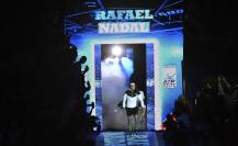 Tennis - Barclays ATP World Tour Finals - O2 Arena, London - 16/11/15 Men's Singles - Spain's Rafael Nadal makes his entrance before his match against Switzerland's Stanislas Wawrinka Reuters / Toby Melville Livepic EDITORIAL USE ONLY.