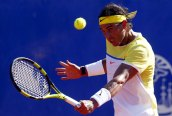 Spain's Rafael Nadal plays a shot during his tennis match against Italy's Paolo Lorenzi at the ATP Argentina Open in Buenos Aires, February 12, 2016. REUTERS/Marcos Brindicci