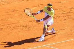 El tenista español Rafael Nadal enfrenta al italiano Paolo Lorenzi hoy, viernes 12 de febrero de 2016, durante un partido por los cuartos de final del torneo ATP de Buenos Aires (Argentina). EFE/David Fernández