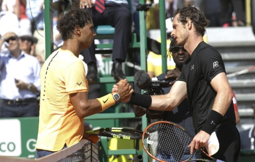 Spain's Rafael Nadal shakes hands with Andy Murray of Great Britain after their semi final match of the Monte Carlo Tennis Masters tournament in Monaco, Saturday, April 16, 2016. (AP Photo/Lionel Cironneau)