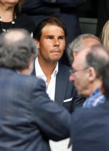 El tenista español Rafael Nadal asiste al partido de vuelta de las semifinales de la Liga de Campeones que Real Madrid y Manchester City juegan esta noche en el estadio Santiago Bernabéu, en Madrid. EFE/Ballesteros