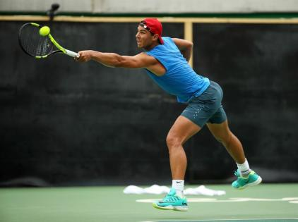 El español Rafael Nadal entrena hoy, miércoles 3 de agosto de 2016, en el Centro de Tenis, en Río de Janeiro (Brasil) en el marco de los Juegos Olímpicos Río 2016, que se inaugurarán el próximo 5 de agosto. EFE/José Méndez