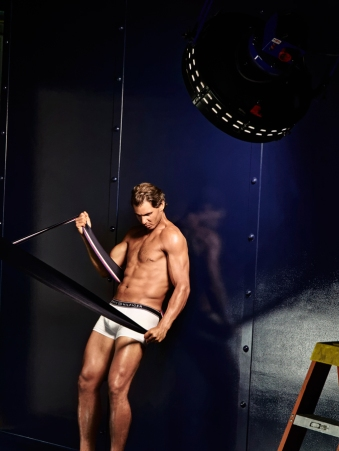 Rafael Nadal shows off his insane body in Tommy Hilfiger