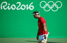 2016 Rio Olympics - Tennis - Final - Men's Singles Bronze Medal Match - Olympic Tennis Centre - Rio de Janeiro, Brazil - 14/08/2016. Rafael Nadal (ESP) of Spain reacts during match against Kei Nishikori (JPN) of Japan. REUTERS/Kevin Lamarque FOR EDITORIAL USE ONLY. NOT FOR SALE FOR MARKETING OR ADVERTISING CAMPAIGNS.