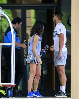 rafael-nadal-and-his-girlfriend-maria-francisca-perello-lovely-moment-in-melbourne-2017-2