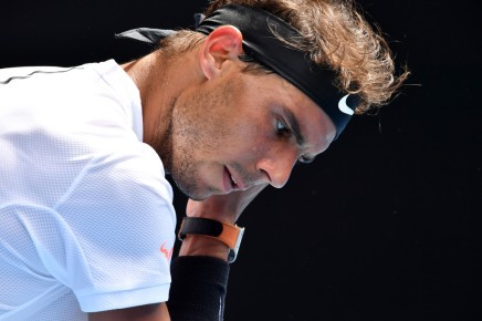 Rafael Nadal of Spain prepares to serve in his first round match against Florian Mayer of Germany on day two of the 2017 Australian Open at Melbourne Park on January 17, 2017 in Melbourne, Australia. (Jan. 16, 2017 - Source: Quinn Rooney/Getty Images AsiaPac)