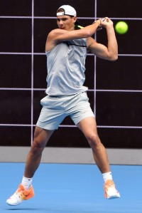 Rafael Nadal of Spain hits a forehand return during a tennis training session in Melbourne on January 11, 2017..Top players from around the world are arriving in Melbourne in the lead up to the Australian Open from January 16 to 29. / AFP / William WEST / IMAGE RESTRICTED TO EDITORIAL USE - STRICTLY NO COMMERCIAL USE (Jan. 10, 2017 - Source: AFP)