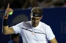 El tenista español Rafael Nadal reclama un punto ante el croata Marin Cilic hoy, viernes 3 de marzo de 2017, durante un partido de semifinales del Abierto Mexicano de Tenis, disputado en el puerto de Acapulco (México). José Méndez
