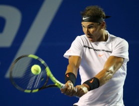 Spain's Rafael Nadal returns the ball to Croatia's Marini Cilic during a semifinal match of the Mexican Tennis Open in Acapulco, Mexico, Friday, March 3, 2017. (AP Photo/Enric Marti)