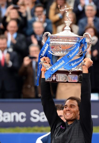 Rafael Nadal trophy Barcelona Open final 2017