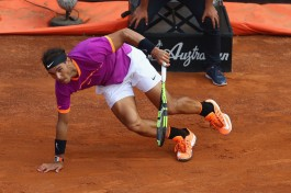 Rafael Nadal of Spain slips during the men's quarter-final match against Dominic Thiem of Austria on Day Six of the Internazionali BNL d'Italia 2017 at Foro Italico on May 19, 2017 in Rome, Italy. (May 18, 2017 - Source: Michael Steele/Getty Images Europe)