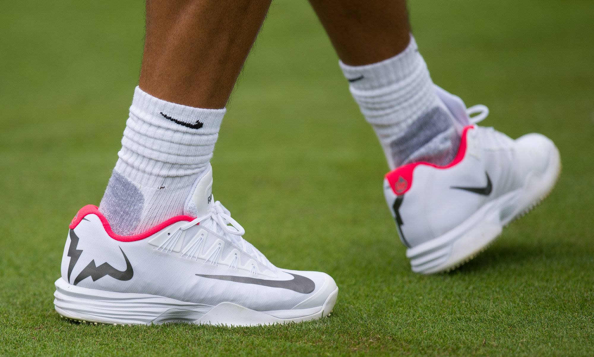 rafael nadal nike tennis shoes for Wimbledon 2017