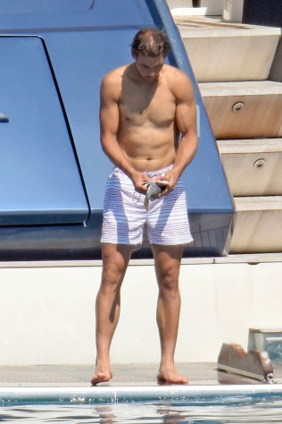 Rafael Nadal short holiday on yacht in Spain (1)