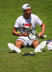 LONDON, ENGLAND - JULY 02: Rafael Nadal of Spain takes a break during a practice ahead of the Wimbledon Lawn Tennis Championships at the All England Lawn Tennis and Croquet Club on July 2, 2017 in London, England. (Photo by Clive Brunskill/Getty Images)