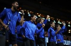 Marin Cilic, Rafael Nadal, Alexander Zverev, Roger Federer and Thomas Enqvist of Team Europe celebrate as they watch the singles match between Dominic Thiem of Team Europe and John Isner of Team World on the first day of the Laver Cup on September 22, 2017 in Prague, Czech Republic. The Laver Cup consists of six European players competing against their counterparts from the rest of the World. Europe will be captained by Bjorn Borg and John McEnroe will captain the Rest of the World team. The event runs from 22-24 September. (Sept. 21, 2017 - Source: Julian Finney/Getty Images Europe)