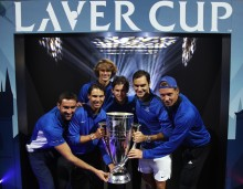 (L-R) Marin Cilic, Rafael Nadal, Alexander Zverev, Dominic Thiem, Roger Federer and Tomas Berdych of Team Europe lift the Laver Cup trophy on the final day of the Laver cup on September 24, 2017 in Prague, Czech Republic. The Laver Cup consists of six European players competing against their counterparts from the rest of the World. Europe will be captained by Bjorn Borg and John McEnroe will captain the Rest of the World team. The event runs from 22-24 September. (Sept. 23, 2017 - Source: Julian Finney/Getty Images Europe)
