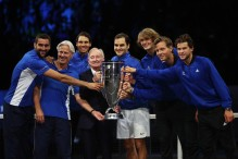 (L-R) Marin Cilic, Bjorn Borg, Rafael Nadal, Rod Laver, Roger Federer, Alexander Zverev, Tomas Berdych and Dominic Thiem of Team Europe lift the Laver Cup trophy on the final day of the Laver cup on September 24, 2017 in Prague, Czech Republic. The Laver Cup consists of six European players competing against their counterparts from the rest of the World. Europe will be captained by Bjorn Borg and John McEnroe will captain the Rest of the World team. The event runs from 22-24 September. (Sept. 23, 2017 - Source: Julian Finney/Getty Images Europe)
