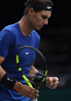 Spain's Rafael Nadal celebrates winning a point against South Korea's Hyeon Chung during their second round match at the ATP World Tour Masters 1000 indoor tennis tournament on November 1, 2017 in Paris..Nadal won the match 7-5, 6-3 and qualified for the third round of the tournament. / AFP PHOTO / CHRISTOPHE ARCHAMBAULT (Oct. 31, 2017 - Source: AFP)