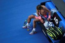 EPA2194. MELBOURNE (AUSTRALIA), 17/01/2018.- El tenista español Rafa Nadal descansa durante el partido de segunda ronda contra el argentino Leonardo Meyer en el Abierto de Australia en Melbourne (Australia) hoy, 17 de enero de 2018. EFE/ Dean Lewins AUSTRALIA AND NEW ZEALAND OUT
