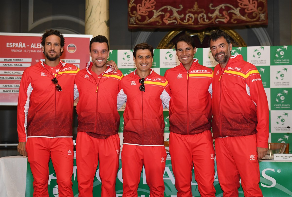 ¿Cuánto mide Roberto Bautista? - Altura - Real height Feliciano-lopez-robert-bautista-agut-david-ferrer-and-rafael-nadal-at-davis-cup-draw-ceremony-2018