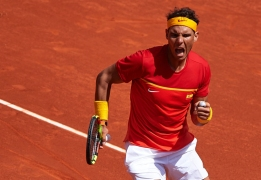 VALENCIA, SPAIN - APRIL 08: Rafael Nadal of Spain celebrates a point against Alexander Zverev of Germany during day three of the Davis Cup World Group Quarter Final match between Spain and Germany at Plaza de Toros de Valencia on April 8, 2018 in Valencia, Spain. (Photo by Manuel Queimadelos Alonso/Getty Images)