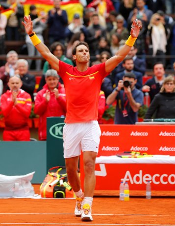 Tennis - Davis Cup - Quarter Final - Spain vs Germany - Plaza de Toros de Valencia, Valencia, Spain - April 6, 2018 Spain's Rafael Nadal celebrates winning his quarter final match against Germany's Philipp Kohlschreiber REUTERS/Heino Kalis