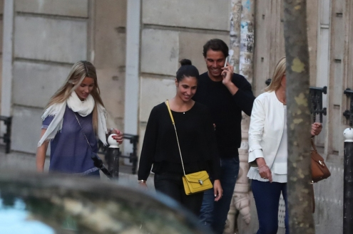 Rafael Nadal and girlfriend Maria Francisca Perello together with the rest of his family and friends in Paris 2018 (9)
