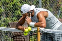 GRAF2492. CALVIA (MALLORCA) 18/06/2018.- El tenista español Rafael Nadal ha iniciado este lunes en las pistas de hierba natural del Mallorca Open WTA su preparación para el torneo de Wimbledon, que se disputará en Londres entre el 2 y el 15 de julio. EFE/CATI CLADERA