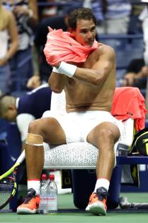 Shirtless Rafael Nadal 2018 US Open R3 (2)