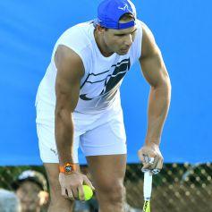 EPA2217. BRISBANE (AUSTRALIA), 02/01/2019.- El tenista español Rafael Nadal entrena en una de las pistas del Centro de Tenis Queensland antes de anunciar en rueda de prensa su retirada del torneo internacional de tenis de Brisbane (Australia) hoy, 2 de enero de 2019. EFE/ Darren England SOLO USO EDITORIAL PROHIBIDO SU USO EN AUSTRALIA Y NUEVA ZELANDA