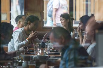 rafael nadal having lunch with maria francisca perello in melbourne 2019 australia (6)