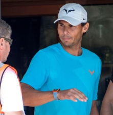 epa07638793 Spanish tennis player Rafael Nadal arrives in Palma de Mallorca one day after winning the French Open tennis tournament at Roland Garros, in Balearic Islands, Spain, 10 June 2019. Nadal has won his 12th French Open title after defeating Austrian Dominic Thiem in the men's final held on 09 June 2019. EPA-EFE/CATI CLADERA