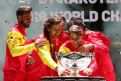 MADRID, SPAIN - NOVEMBER 24: (L-R) Marcel Granollers, Feliciano Lopez, Pablo Carreno Busta, Roberto Bautista Agut and Rafael Nadal celebrate with the trophy following their victory over Canada during Day Seven of the 2019 Davis Cup at La Caja Magica on November 24, 2019 in Madrid, Spain. (Photo by Clive Brunskill/Getty Images)